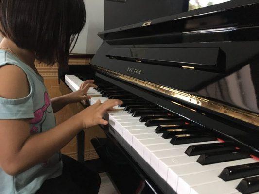 đàn piano cơ cho trẻ
